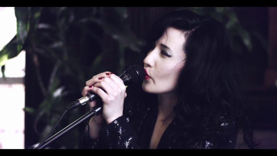 Vivien Glass – Little Lies (Fleetwood Mac Cover)
