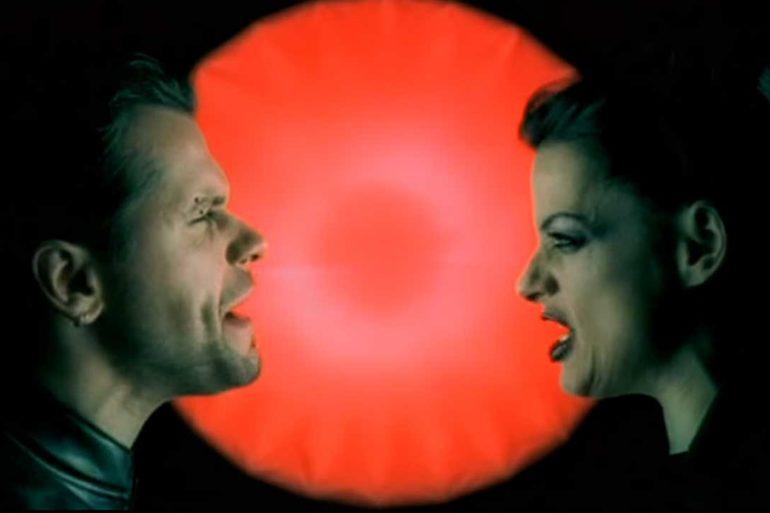 Oomph! - Fieber (Feat. Nina Hagen)